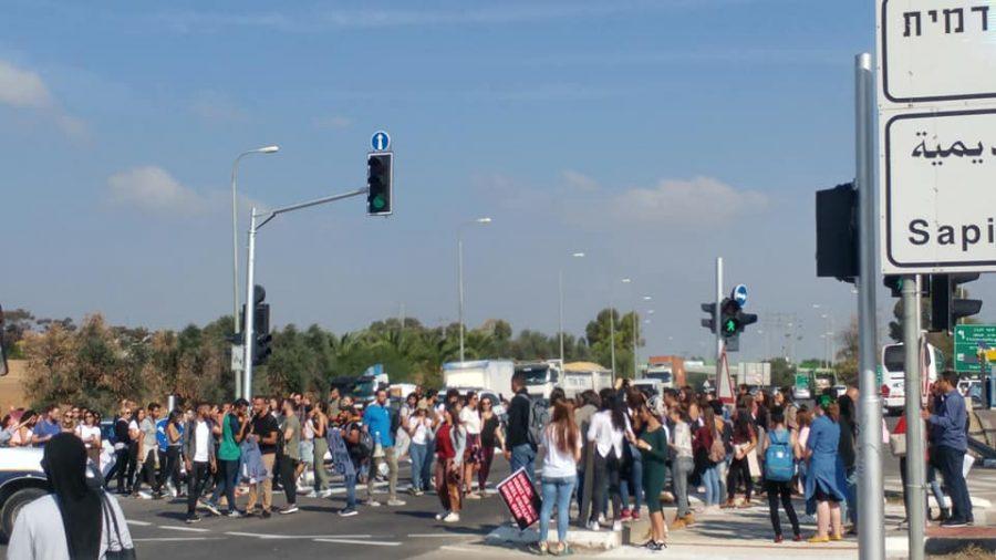 מחאת סטודנטים על שביתת המרצים ב-2018. צילום: אופיר ליבה