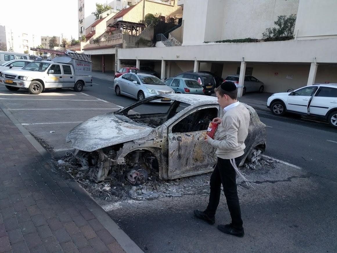 אוטו שרוף צילום: גלעד ילון