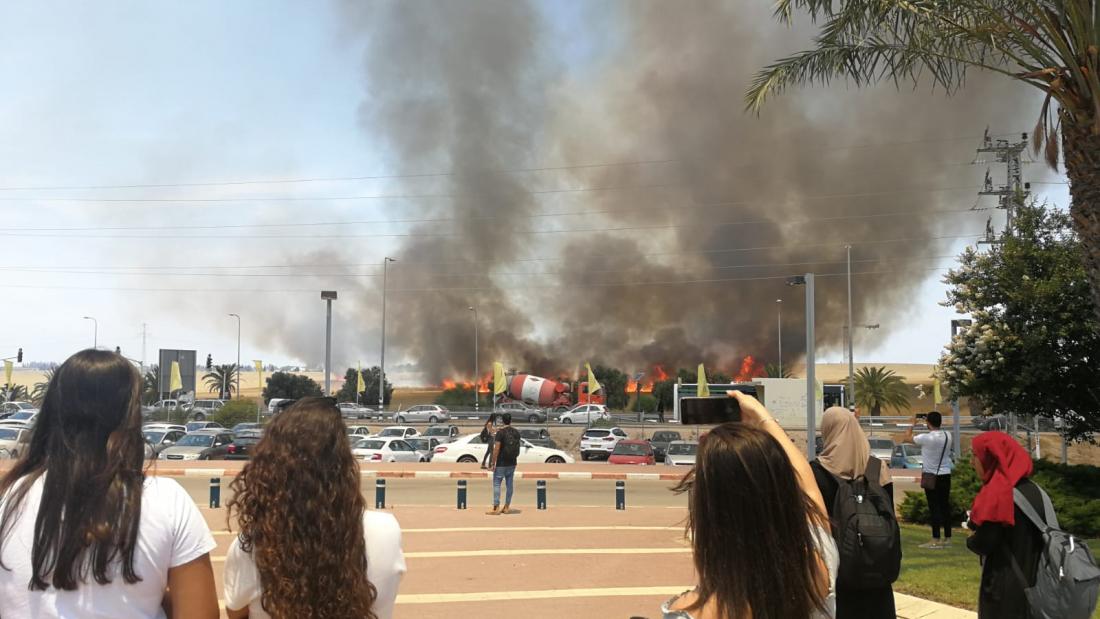 שריפה סמוך למכללת ספיר.  צילום: ליאורה בלנקי