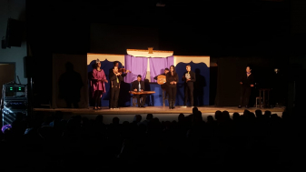 """הצגת """"קולות"""" של תיאטרון זיקית בשילוב של תזמורת תרשיחא. צילום: הדיל חמאמדה"""