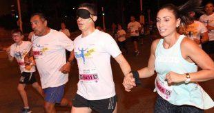 """מרוץ הלילה ה-7 של ב""""ש: ראש העיר רץ בעיניים עצומות"""