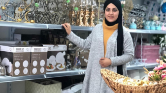 אלזיאדנה אמאני בחנות שלה